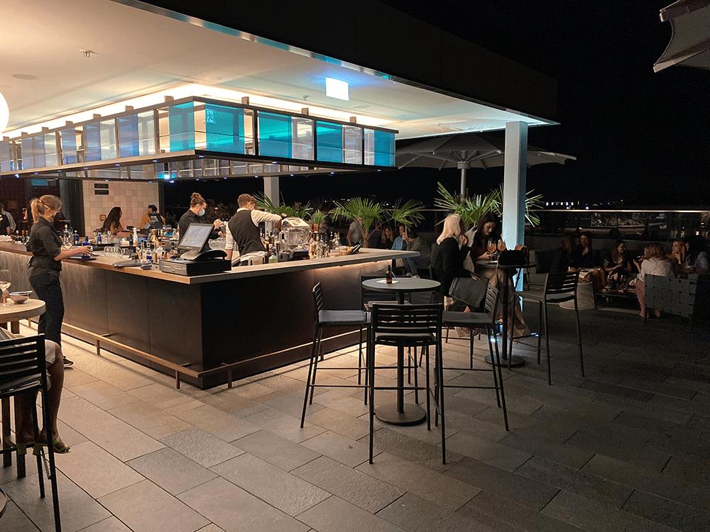 M'uniquo Rooftop Bar