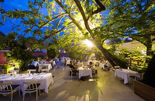 Ljubljana capitale de la Slovénie, ne ressemble à aucune autre capitale européenne.  Elle présente de nombreux atouts et a été élue en 2016, la capitale la plus verte d'Europe.
