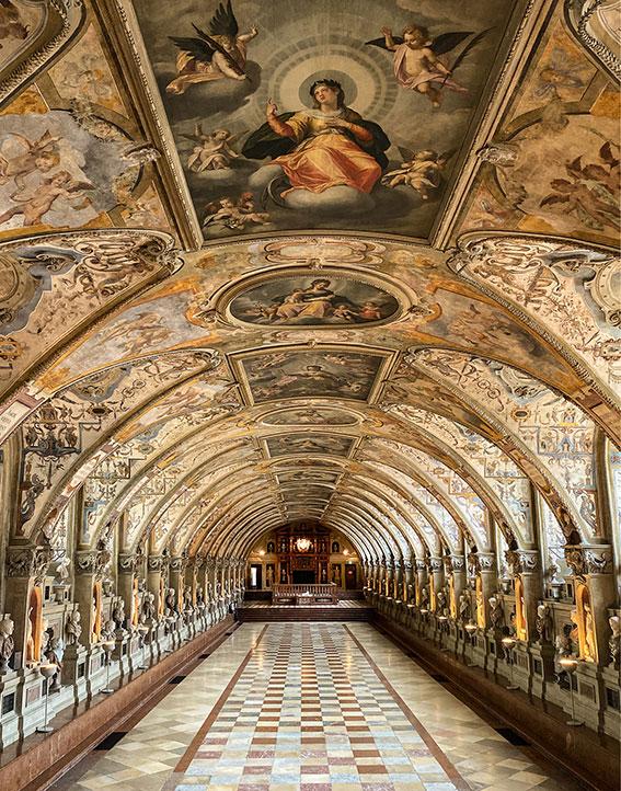 Salle de l'Antiquarium dans la Résidence de Munich