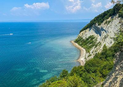 la mer adriatique vue depuis les falaises de Strunjan en Slovénie. Une belle balade à faire à proximité de Piran et de Portoroz