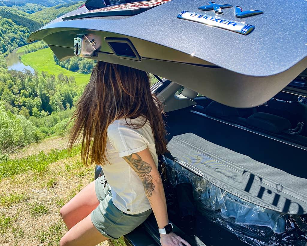Test d'une tente de toitet de la Subaru XV lors d'un roadtrip en Belgique