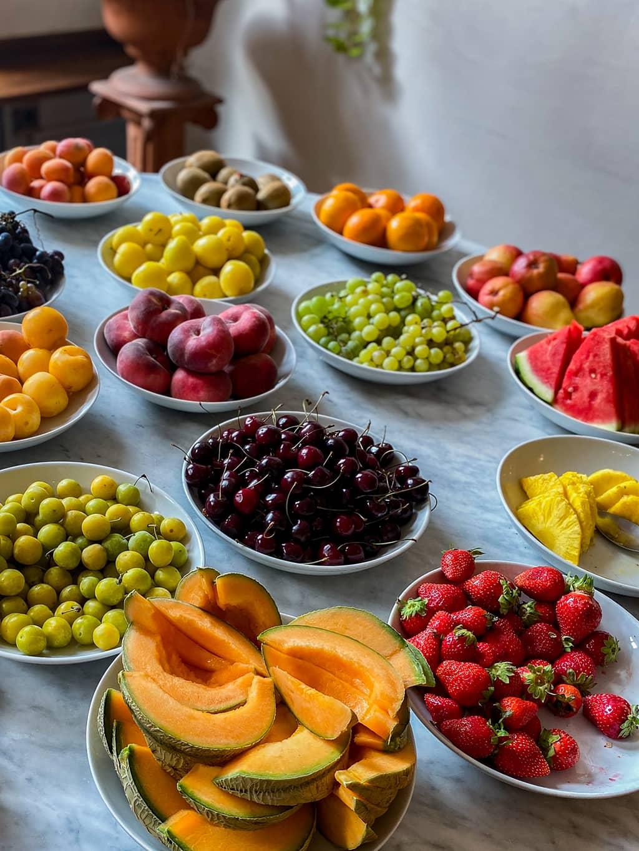 Le buffet fruits au petit-déjeuner de l'hôtel Cathédrale de Metz